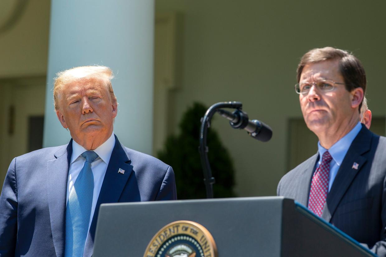 Donald Trump en Mark T. Esper Beeld Photo News