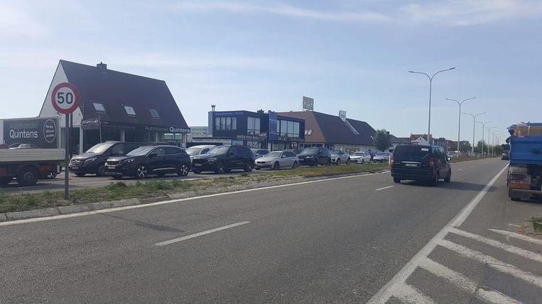 Bij het buiten rijden van Knokke ontstond een lange file Beeld rv