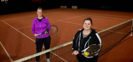 Gratis tennissen in Apeldoorn als cadeautje voor de zorg: 'Je vergeet even alle stress'