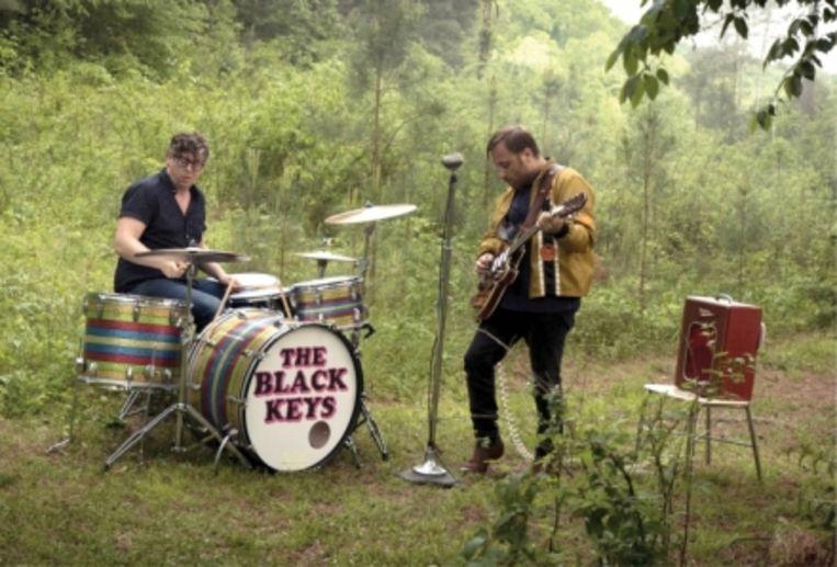 Dan Auerbach (rechts): 'Nadat we zes nummers hadden geschreven, viel het ons op dat we nog geen keyboard hadden aangeraakt. Dat voelde goed, dus zijn we zo verder blijven werken.' Beeld