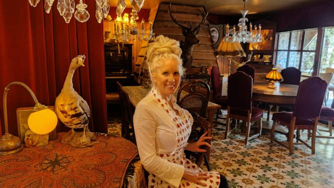 """Sylvia (51) verkoopt één van de bijzonderste frituren van Gent: """"Onze klanten wanen zich in de jaren '20"""""""