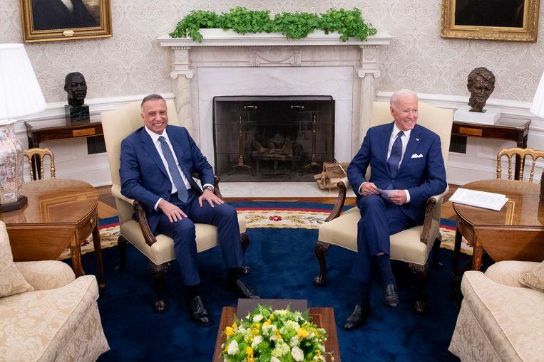 De 17.000 stukken, meestal zowat 4.000 jaar oud, reizen in het vliegtuig van de Iraakse premier Moustafa al-Kazimi mee, die vandaag naar Irak terugkeert na een bezoek van verscheidene dagen aan Washington, waar hij de Amerikaanse president Joe Biden ontmoette. Beeld Photo News