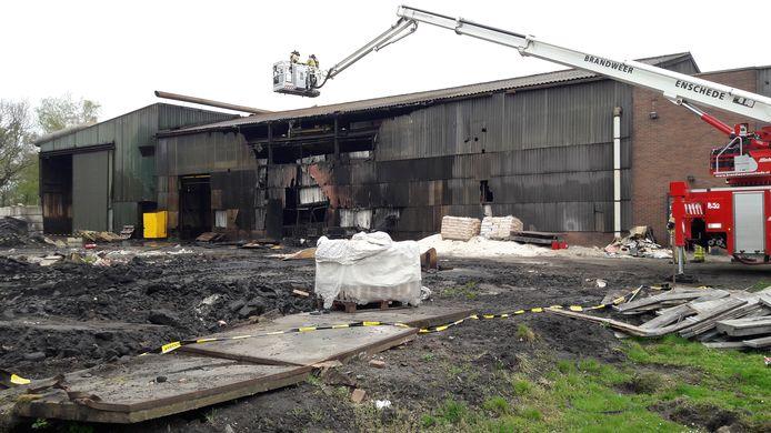 De ijzergieterij op de Needse Berg ging eind vorig jaar failliet, dit voorjaar woedde er een brand.