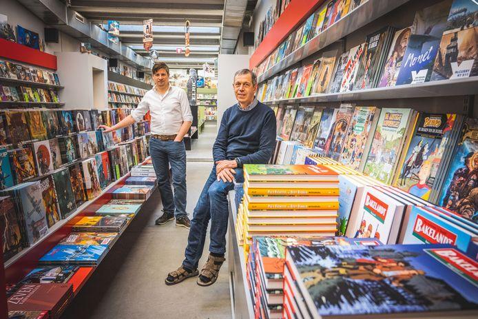 Overnemer Kurt en huidig zaakvoerder Rik in stripspeciaalzaak De Poort.