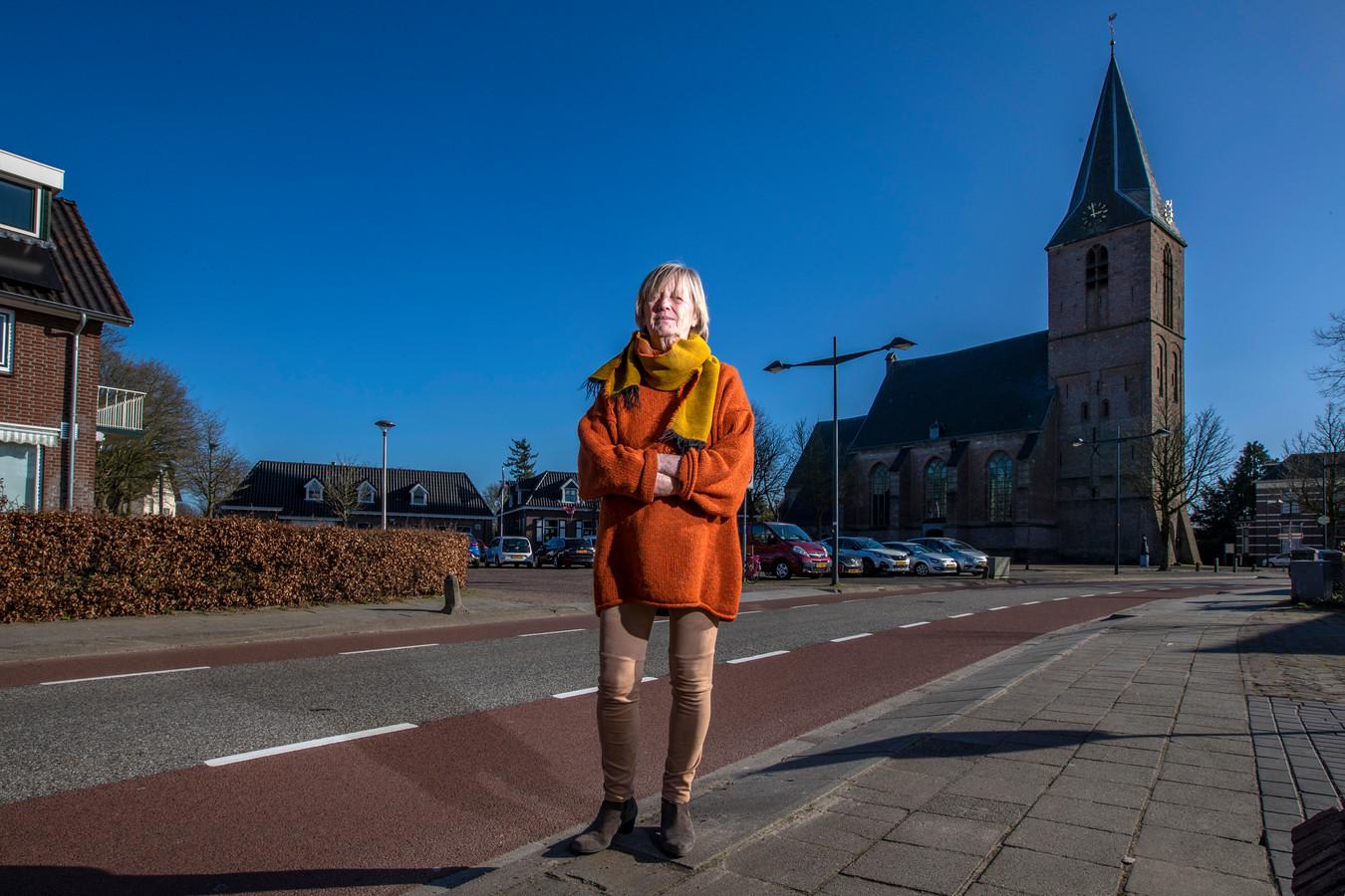 Als het aan Gerry Herbst ligt, is de saaie omgeving van de Dorpskerk in Olst over een paar jaar een groene ontmoetingsplek.