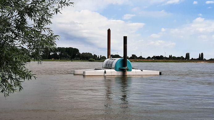 De EQA River, buiten de vaargeul net om de hoek van de haven van Busker, ondergaat de komende maanden op de Waal een duurzaamheidsproef.