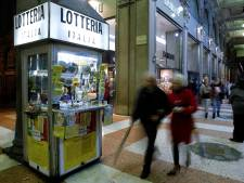 Un buraliste parti avec le billet à gratter à 500.000 euros d'une cliente arrêté à l'aéroport
