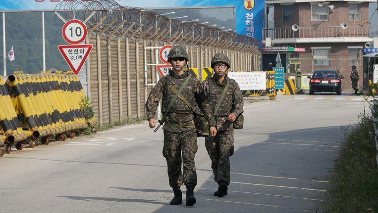 Zuid-Koreaanse soldaten bij de grens met Noord-Korea. Beeld AP