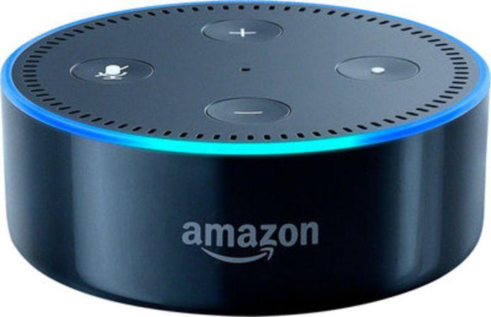 Amazon Echo is een slimme speaker die de lichten voor je aanzet, je vertelt welke films er draaien en wat voor weer het buiten is.