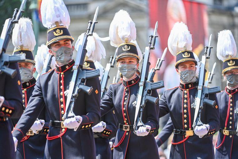 Prinses Elisabeth marcheert in het militair defilé. Beeld BrunoPress/Belga
