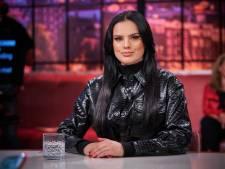 Famke Louise terug bij Jinek na veelbesproken corona-uitzending: 'Ik werd mentaal kapot gemaakt'