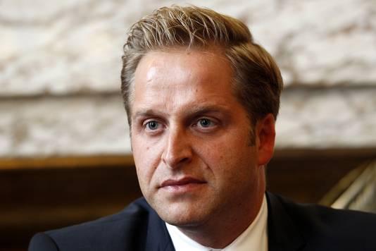 Wethouder De Jonge.