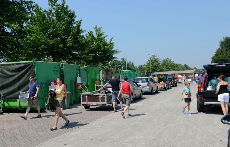 Het huidige containerpark is veel te klein geworden.