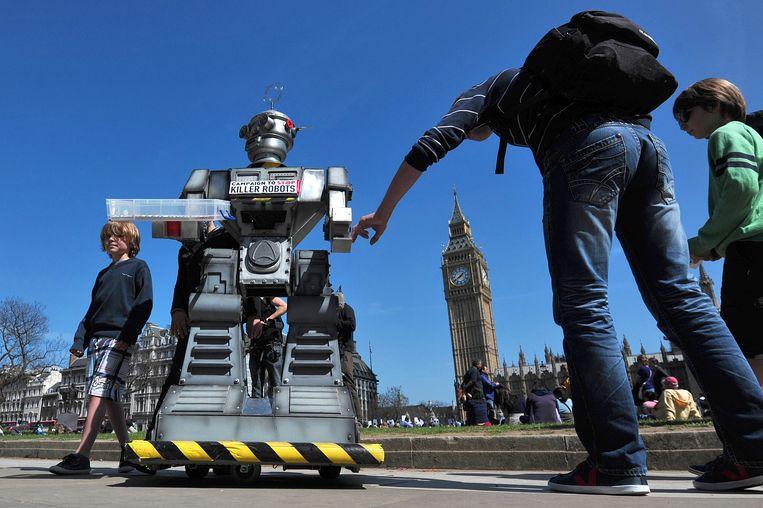 Beeld van de lancering van de campagne tegen killerrobots in 2013 in Londen. Beeld BELGAIMAGE
