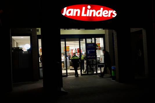 De Jan Linders in Sint Anthonis werd zondagavond vlak voor sluitingstijd overvallen.