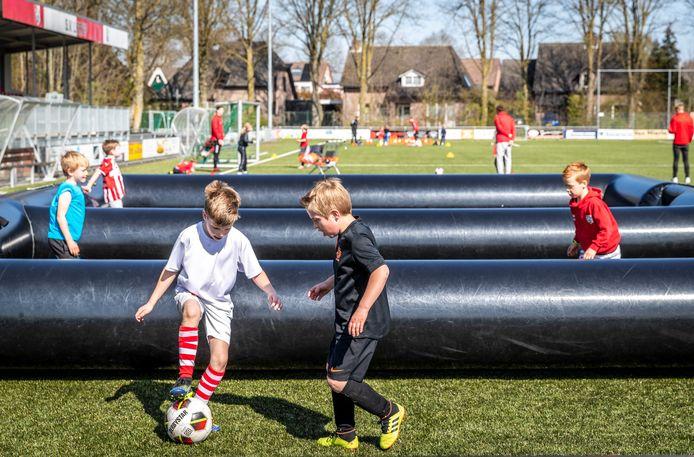 De jeugd in Lierop traint zoals de spelers van Nederlands Elftal.