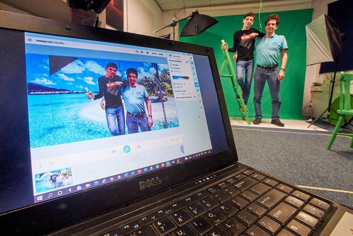 Don Freijters (rechts) organiseert in zijn bedrijf in Uden technische kinderfeestjes met onder meer green screens (foto) en hologrammen. Zoon Dirk helpt mee en krijgt op die manier meteen het een en ander mee over ondernemerschap.