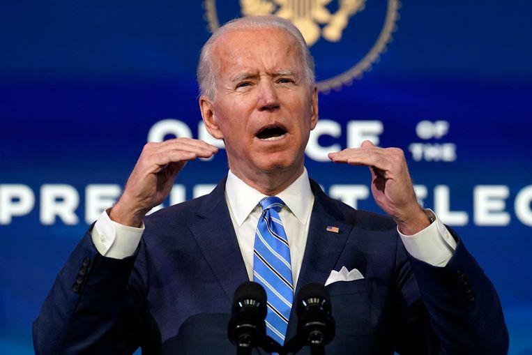 Aankomend president Joe Biden tijdens zijn speech waarin hij een steunpakket van 1,9 biljoen dollar presenteerde.  Beeld AP