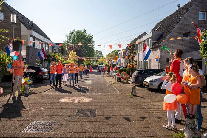 Een feestje vieren kunnen ze wel in de Haagse Beemden. Vorig jaar vierde de straat Roerdomp gezamenlijk Koningsdag.