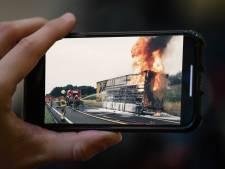 Vlammen filmen in verkeer: 'Respectloos absurd gedrag bestraffen met een hoog bedrag'