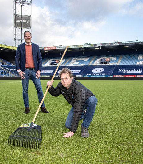 Hoe het veld van PEC Zwolle werd bejubeld, verguisd én hersteld: 'Het werd met de week slechter'