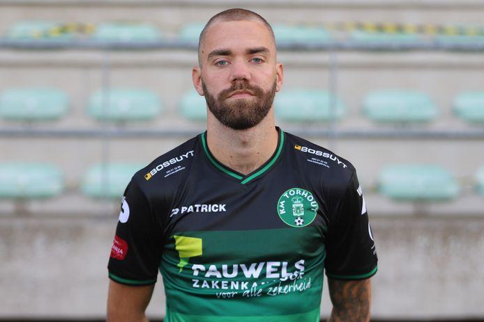 De 22-jarige Laurenz Simoens verlaat Torhout voor tweedenationaler Westhoek en gaat in het futsal aan de slag bij eerstenationaler Proost Lierse.
