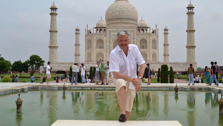 Gisteren was minister Reynders nog in India, waar hij onder andere de Taj Mahal bezocht Beeld BELGA
