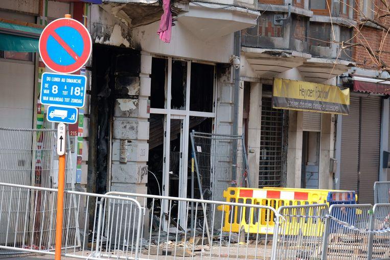 Het gebouw in Anderlecht is zwaar beschadigd. Beeld Marc Baert