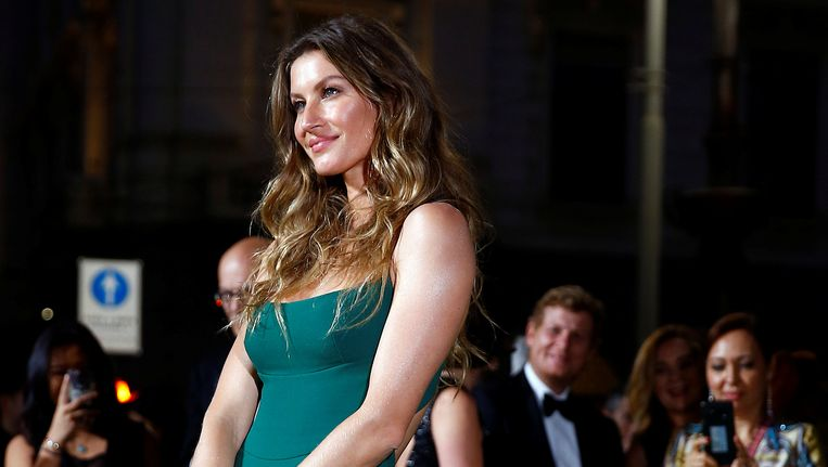 Topmodel Gisele Bündchen op de Green Carpet Fashion Awards.