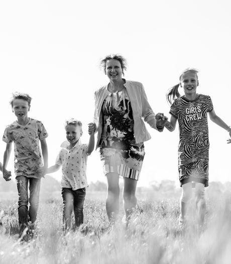 Juf Resi (44) uit Borne laat 5 kinderen én levenslessen na: 'Wees vooral gelukkig'