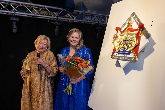 Henny Nankman-Leeuw en Fleur Spoelstra-Nankman ontvingen vorige week het predicaat Hofleverancier.