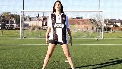 Penalty's van voetbalster Céline gaan viraal