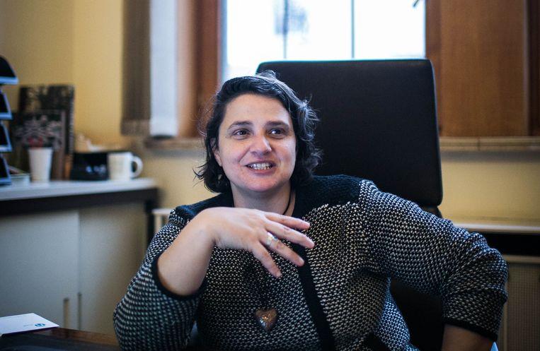 Annalisa Gadaleta, schepen in Molenbeek en schrijfster van het boek.  Beeld Bas Bogaerts