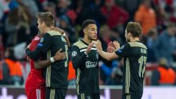 Wat een ontlading! 20-jarige rechtsachter bezorgt Ajax in extremis de volle buit tegen Benfica