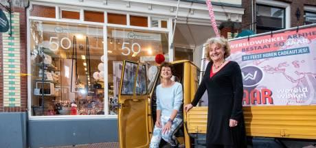 Wereldwinkel Arnhem is vijftig jaar oud én springlevend