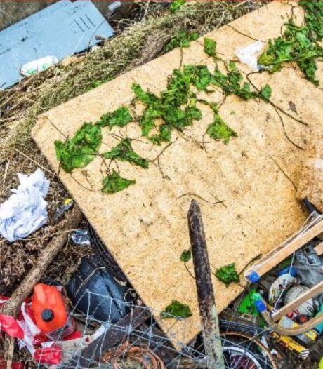 Teruglezen | Grote schoonmaak de Maas is begonnen: 'Ruim rommel niet zelf op'