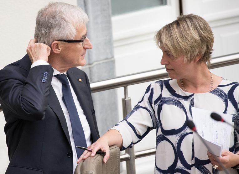 Minister-president Geert Bourgeois (N-VA) trok de boskaart in zonder zijn milieuminister Joke Schauvliege (CD&V) in te lichten. Beeld BELGA