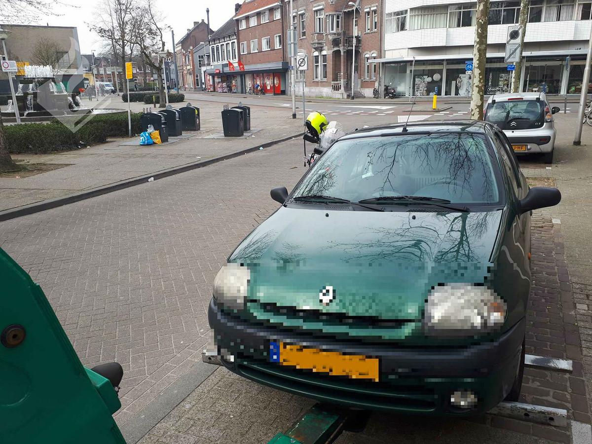De auto is door een takelbedrijf afgevoerd.