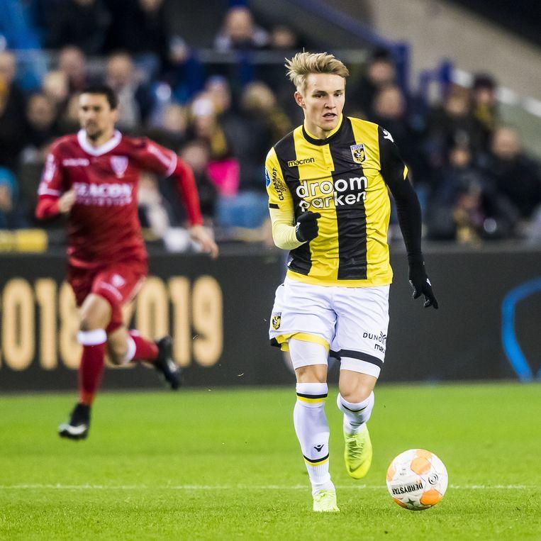 Martin Ødegaard (rechts) van Vitesse. Beeld ANP