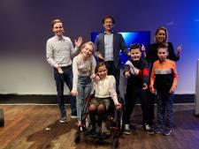 En ja hoor, het is ze gelukt! De gehandicapte Leona en Hüseyin zijn verkozen tot Kinderambassadeurs