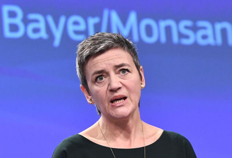 Europees Commissaris voor Mededinging Margrethe Vestager geeft toelichting bij de fusie van Bayer en Monsanto. Beeld AFP