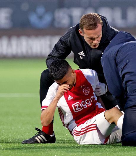 Vrees voor zware blessure Ünüvar; Ajax-talent verdraait knie en gaat huilend van het veld