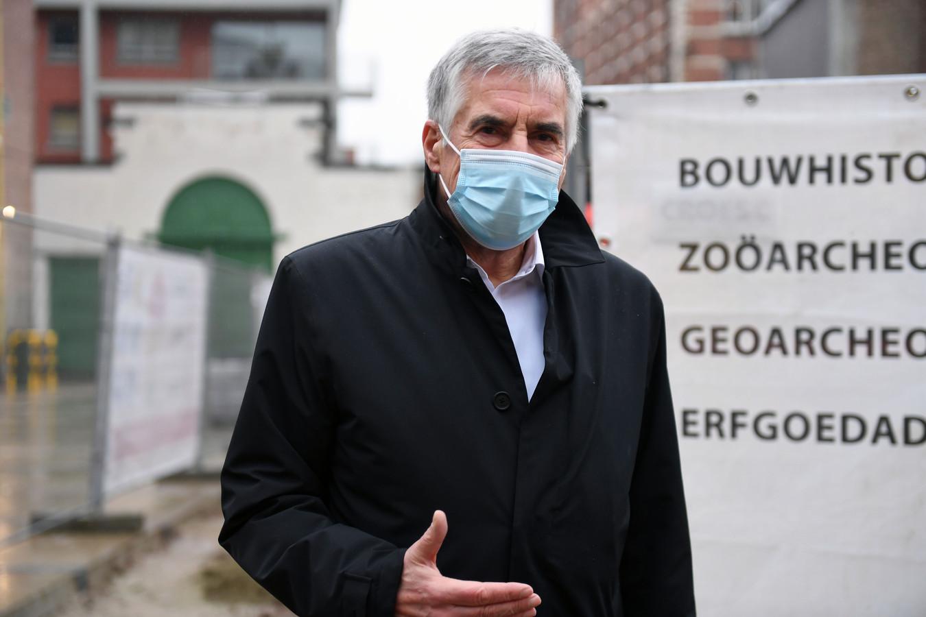 Schepen Carl Devlies (CD&V) is helemaal overtuigd om spreekwoordelijke bruggen te bouwen tussen Leuven en Mechelen om zo tot verbinding te komen in de strijd tegen CO2.