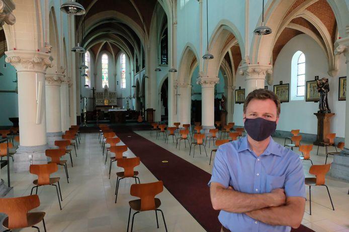 Dirk Broes in de kerk van Mijlstraat.