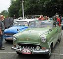 Een Opel Rekord Cabrio uit 1954 tijdens het Oldtimer Festival in Axel in 2015. De auto's aan alle kanten bewonderen zit er dit jaar niet in.