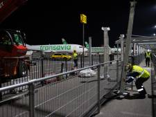 Niet meer in de regen op het vliegtuig wachten: overkapping van looproute Eindhoven Airport bijna klaar