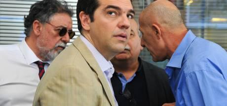 Tsipras stuurt Griekse ministers de laan uit