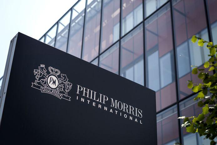 Het bedrijfsgebouw van Philip Morris in het Zwitserse Neuchatel.