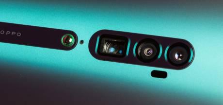 Deze telefoon heeft een periscopische camera waarmee je tien keer kan inzoomen
