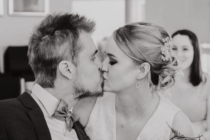 Nina en Jonas beloofden elkaar op 27 maart eeuwige trouw. Twaalf dagen later overleed Jonas.